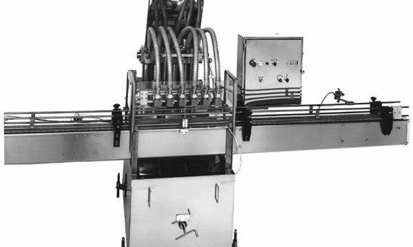 PLC制御ピストン植物油充填機